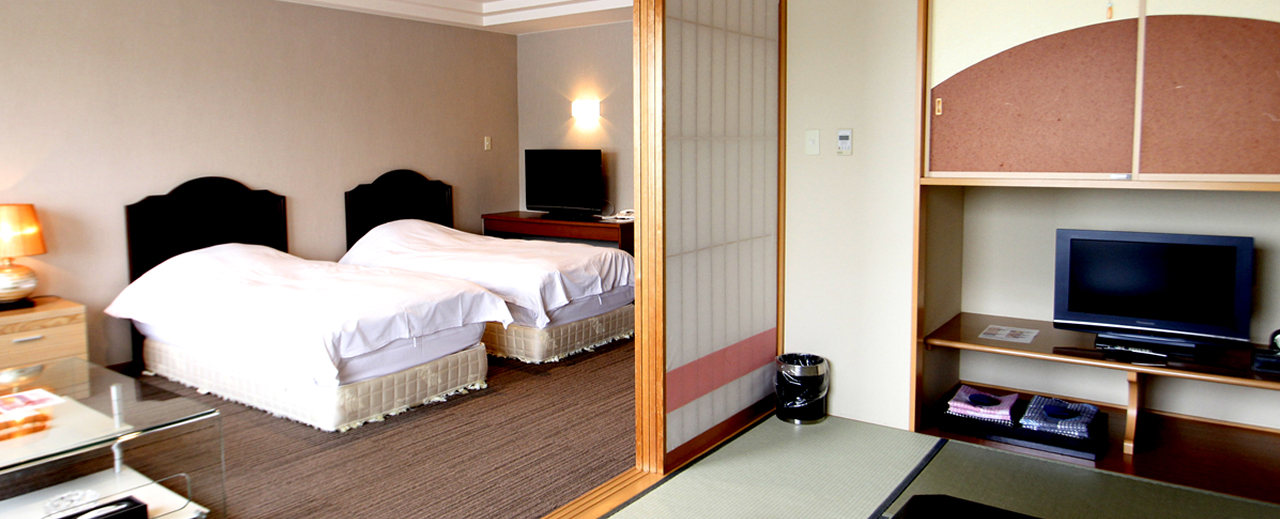 Japanese and Western guest room
